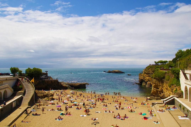 beach view biarritz port vieux plage france