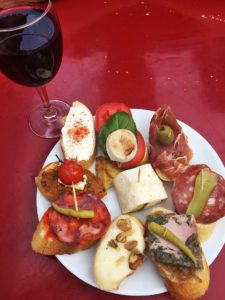 pinchos food restaurant wine biarritz le comptoir du foie gras