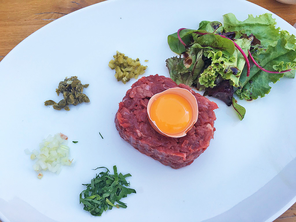 steak tartare tante jeanne restaurant hossegor france