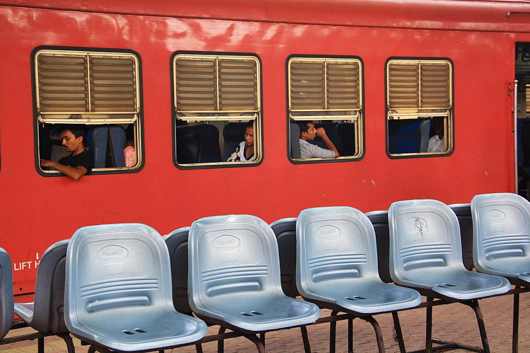 train station ahangama sri lanka