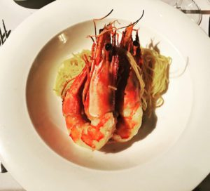 food prawns pasta restaurant la cafeina porto portugal