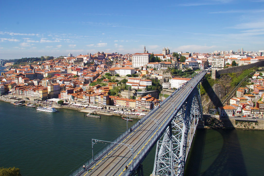 ponte dom luis bridge view porto portugal