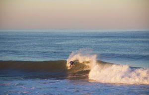 praia cabedelo surfing sunrise waves portugal