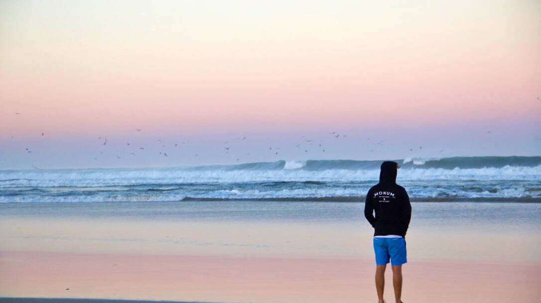 sunrise view ocean waves mokum surf club praia do cabedelo portugal