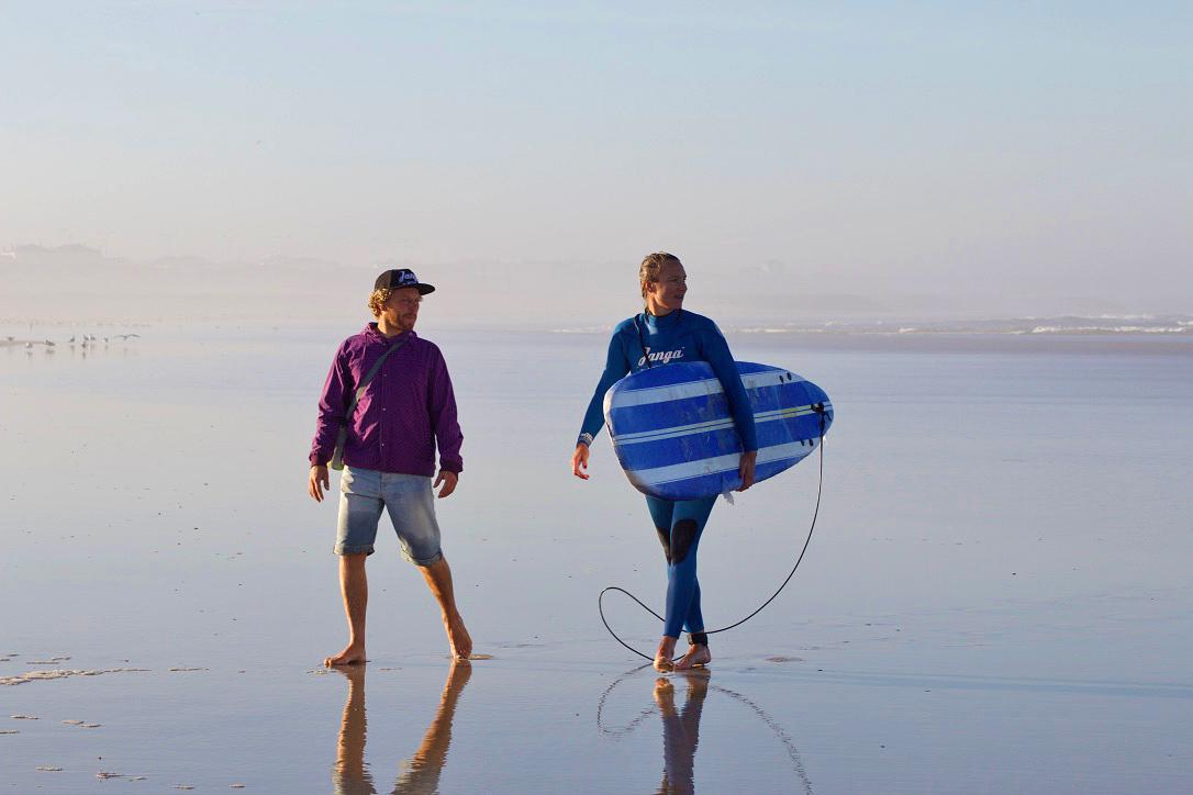 surfing lesson janga wetsuits sunrise beach praia do cabedelo portugal