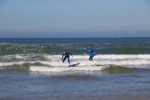 surfing lessons praia do cabedelo no riding no life portugal