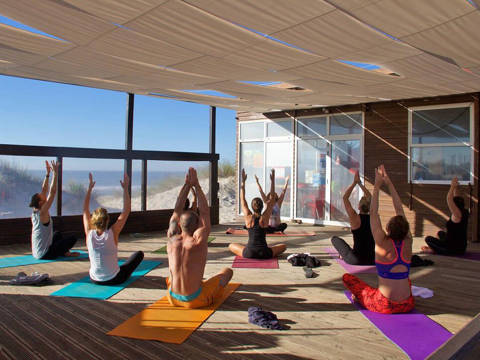 yoga session praia da tocha beach ticket2surf portugal