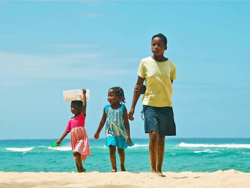 beach people ponto do oura surf destinations mozambique