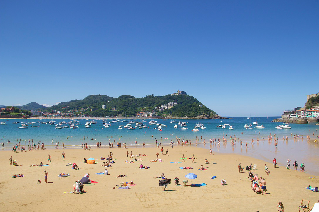 beach playa concha san sebastian spain