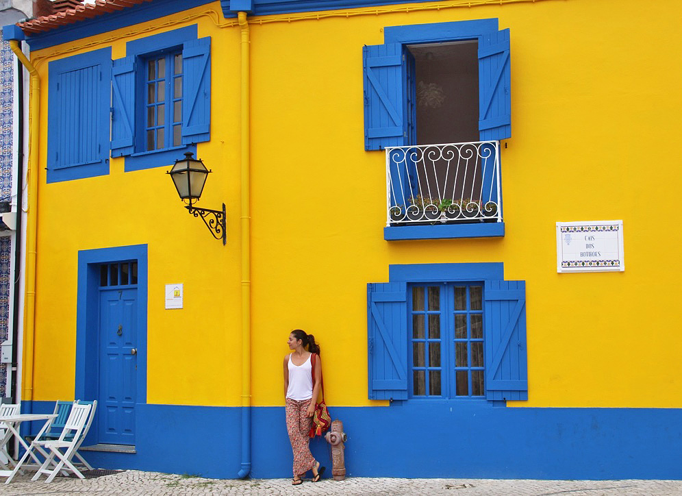 colorful houses aveiro streets portugal
