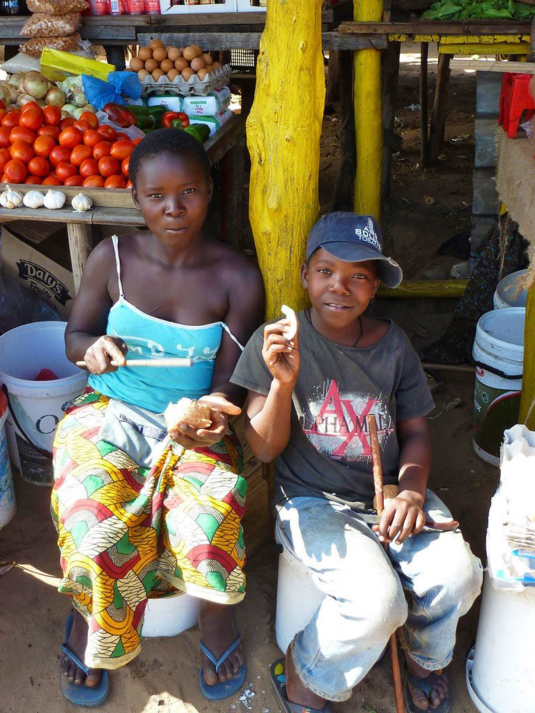 kids market ponta do ouro mozambique