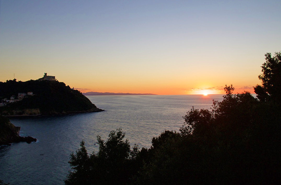 sunset view monte urgull san sebastian spain