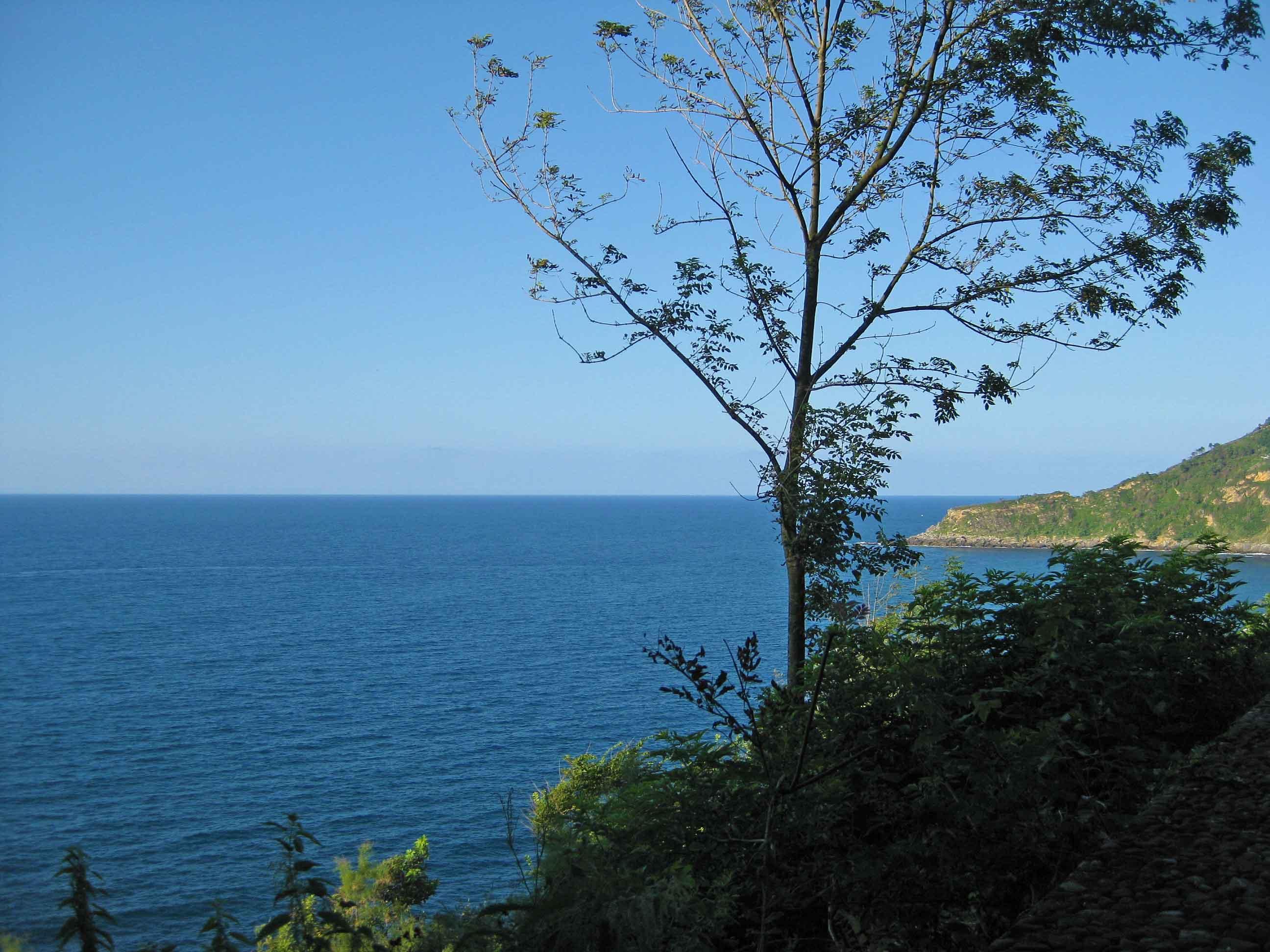view beach ocean monte urgull san sebastian spain