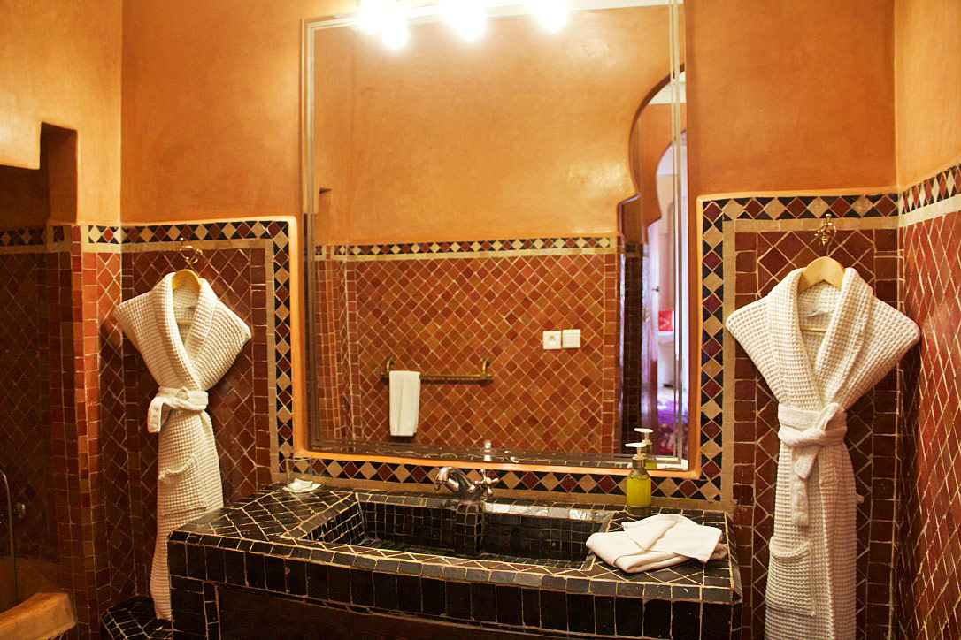bathroom riad yasmine marrakech morocco