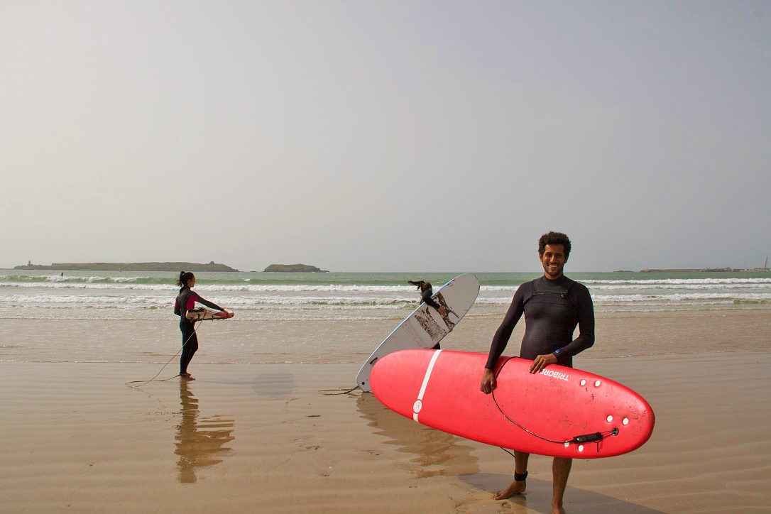 essaouira beach karma surf retreat lessons