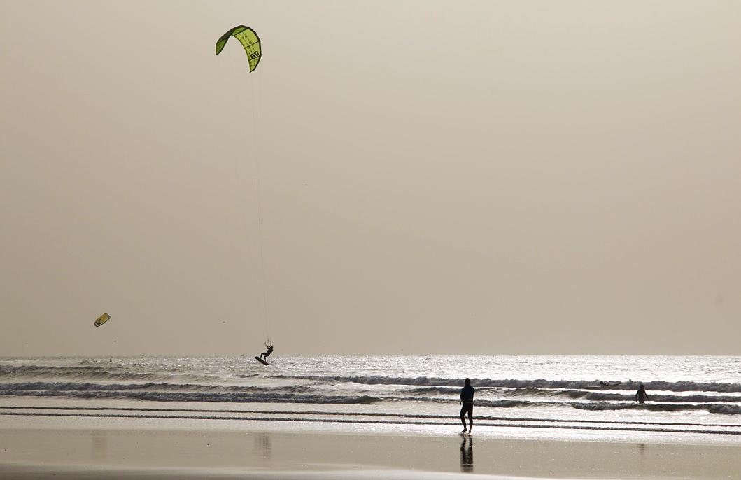 kitesurfing essaouira beach morocco