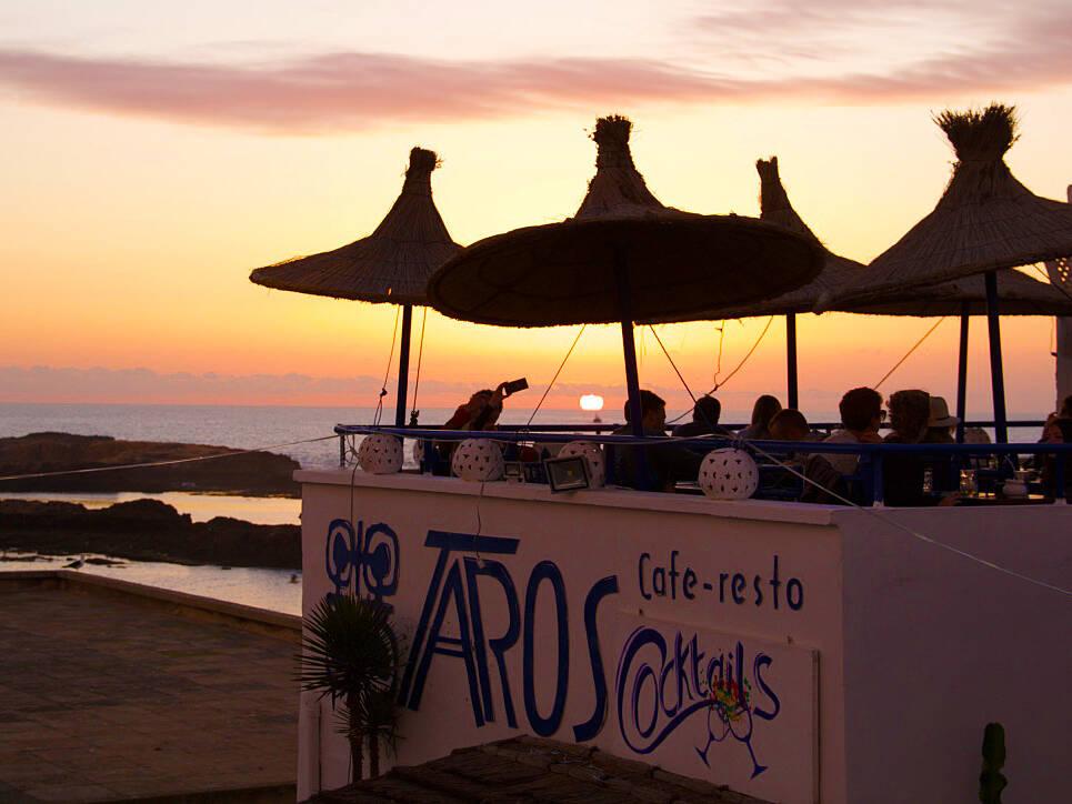 sunset restaurant taros karma surf retreat essaouira