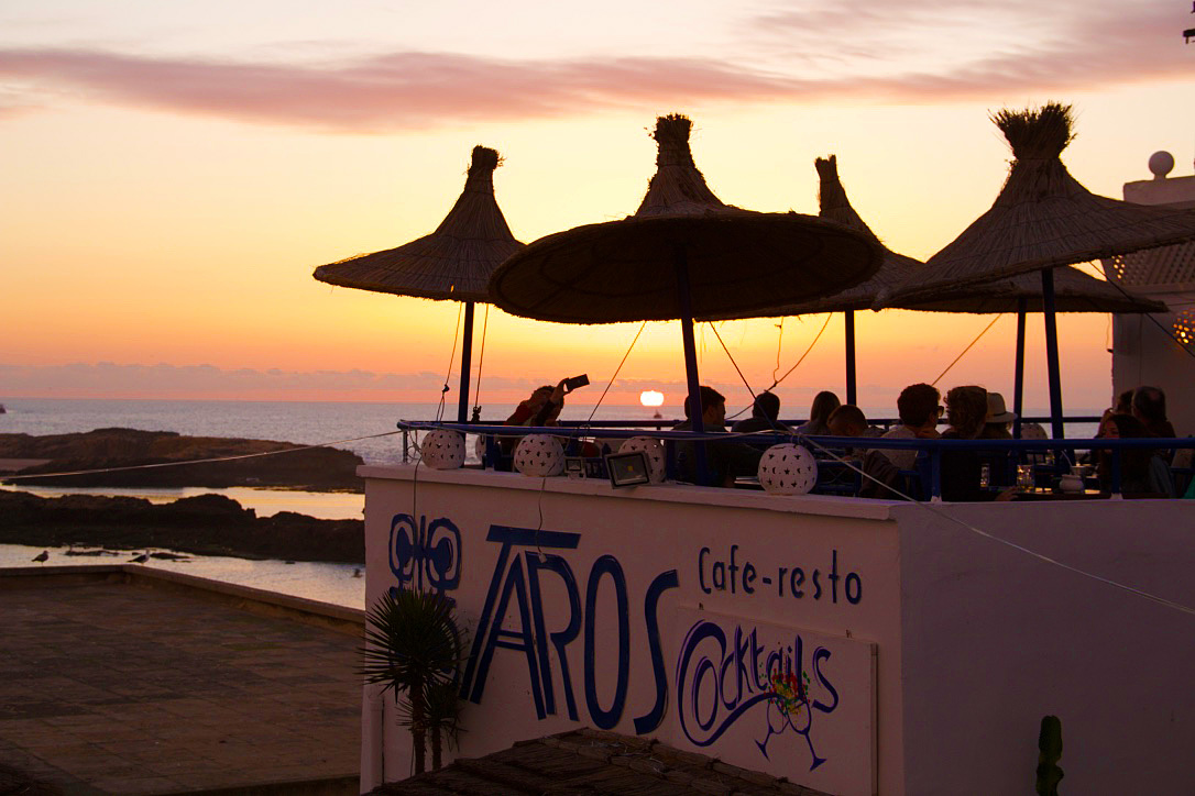 sunset restaurant taros karma surf retreat essaouira