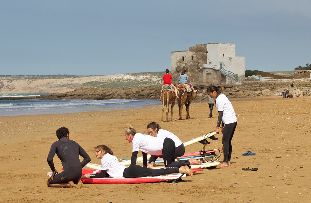surfing lesson sidi kaouki camels beach karma surf retreat