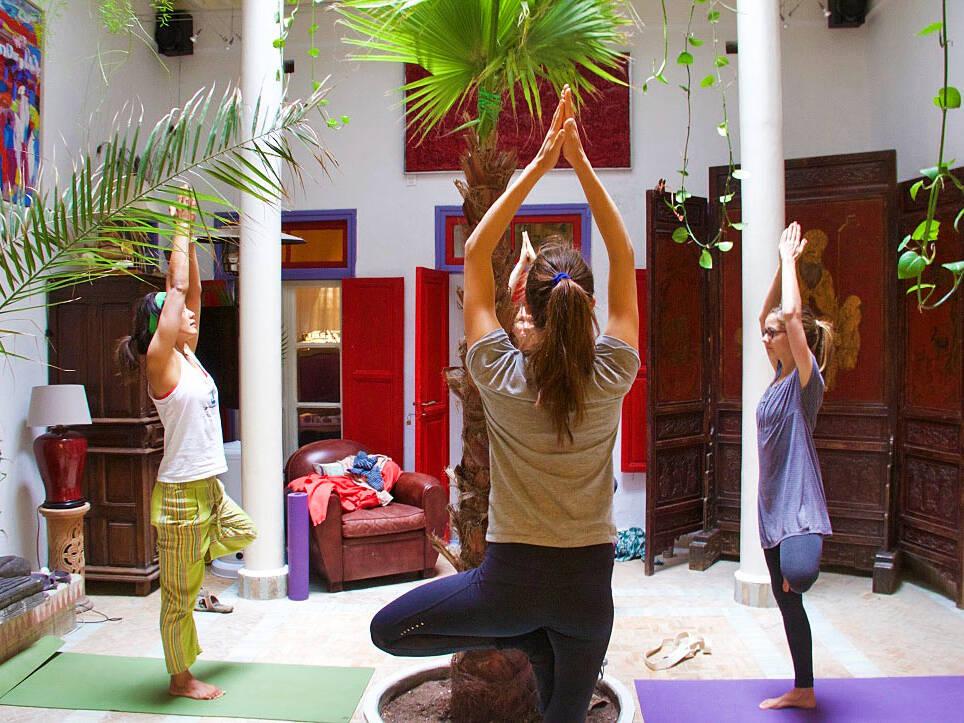 yoga lesson karma surf retreat essaouira dar adul