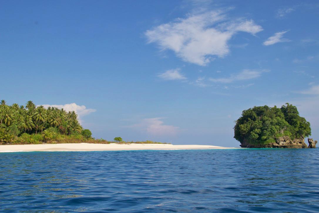 boat trip simeulue surf lodges paradise island sumatra