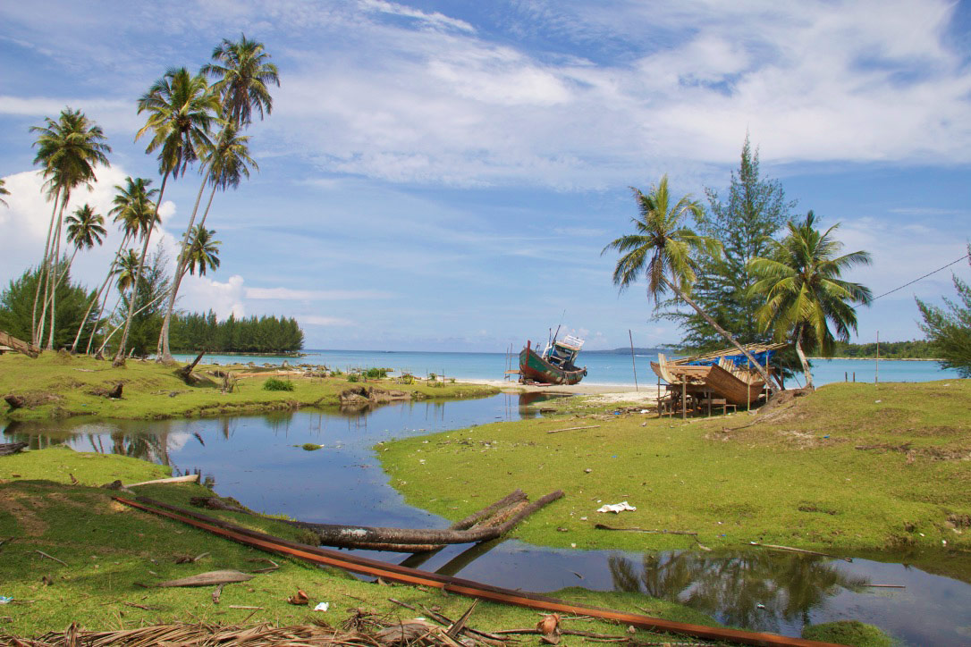 simeulue surf lodges island beach paradise sumatra