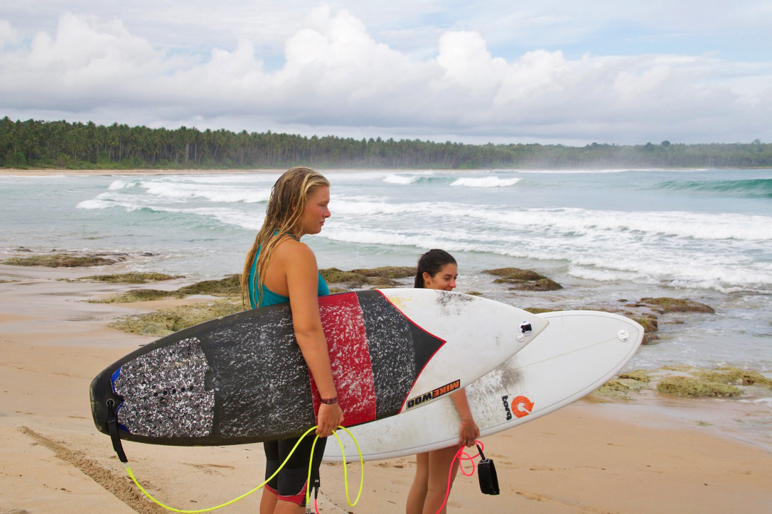 surfing alus alus beach waves simeulue surf lodges sumatra