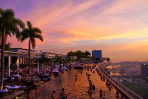 swimmingpool marina bay sands rooftop view singapore