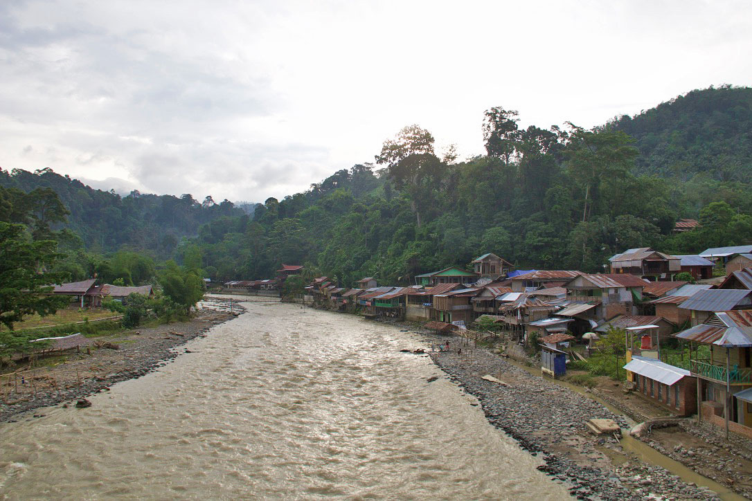river bukit lawang jungle town sumatra