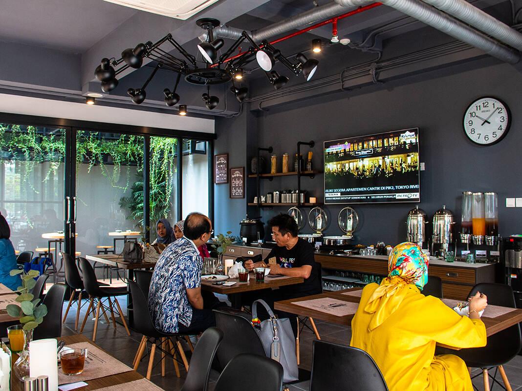 Breakfast restaurant at Hotel Juno in Jakarta Indonesia