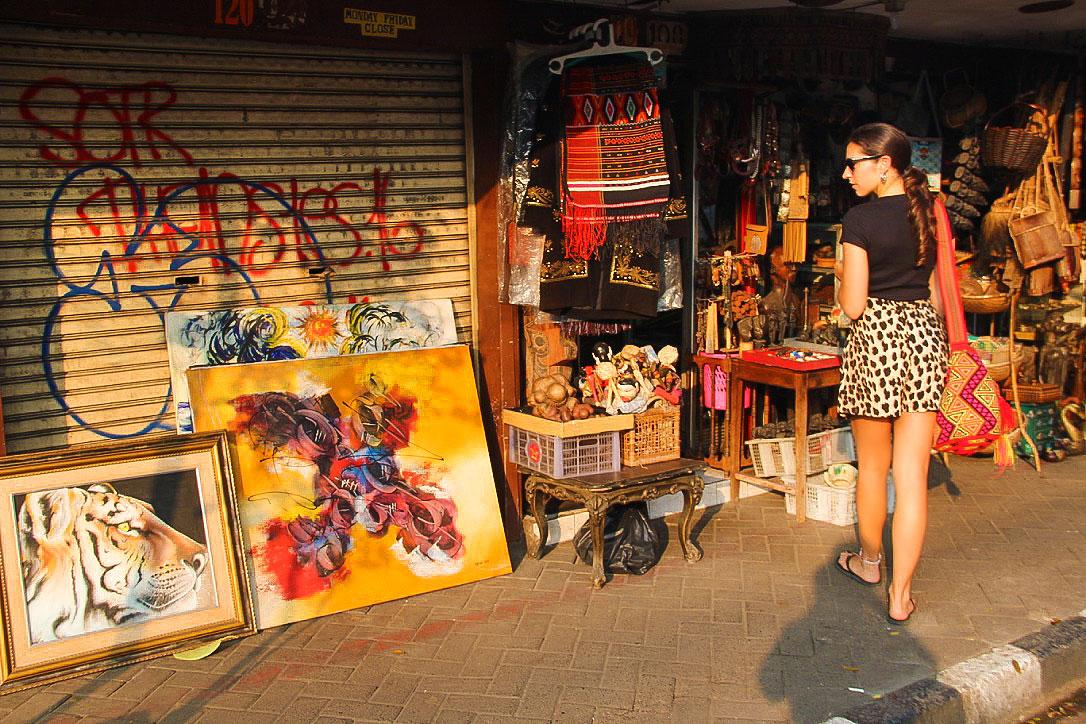 antique market jakarta