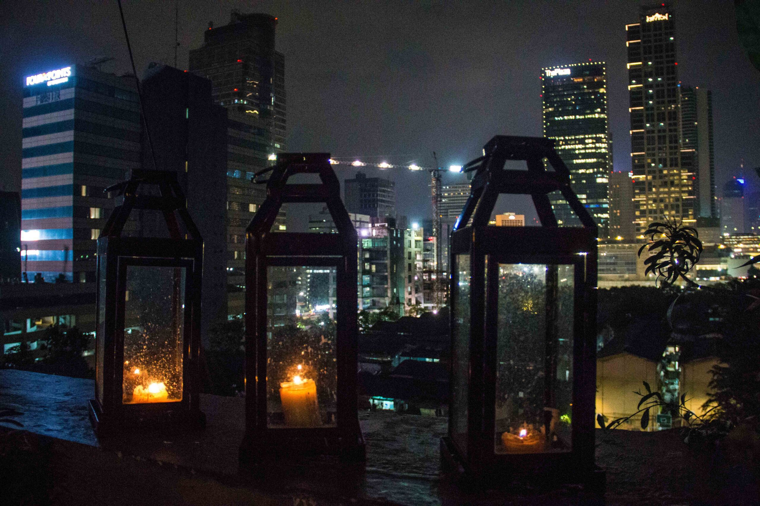 awan lounge rooftop bar jakarta