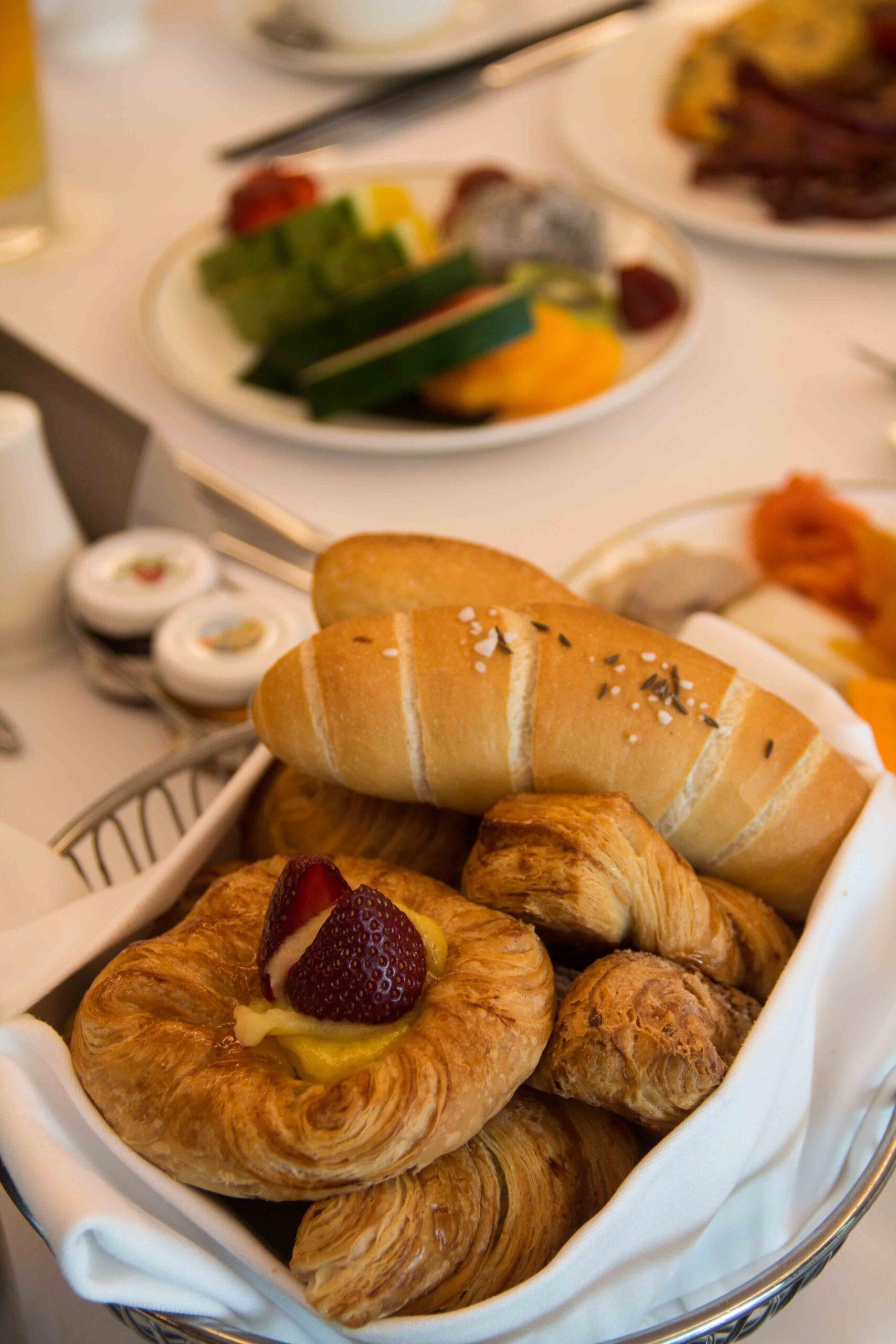 hotel indonesia kempinski jakarta breakfast