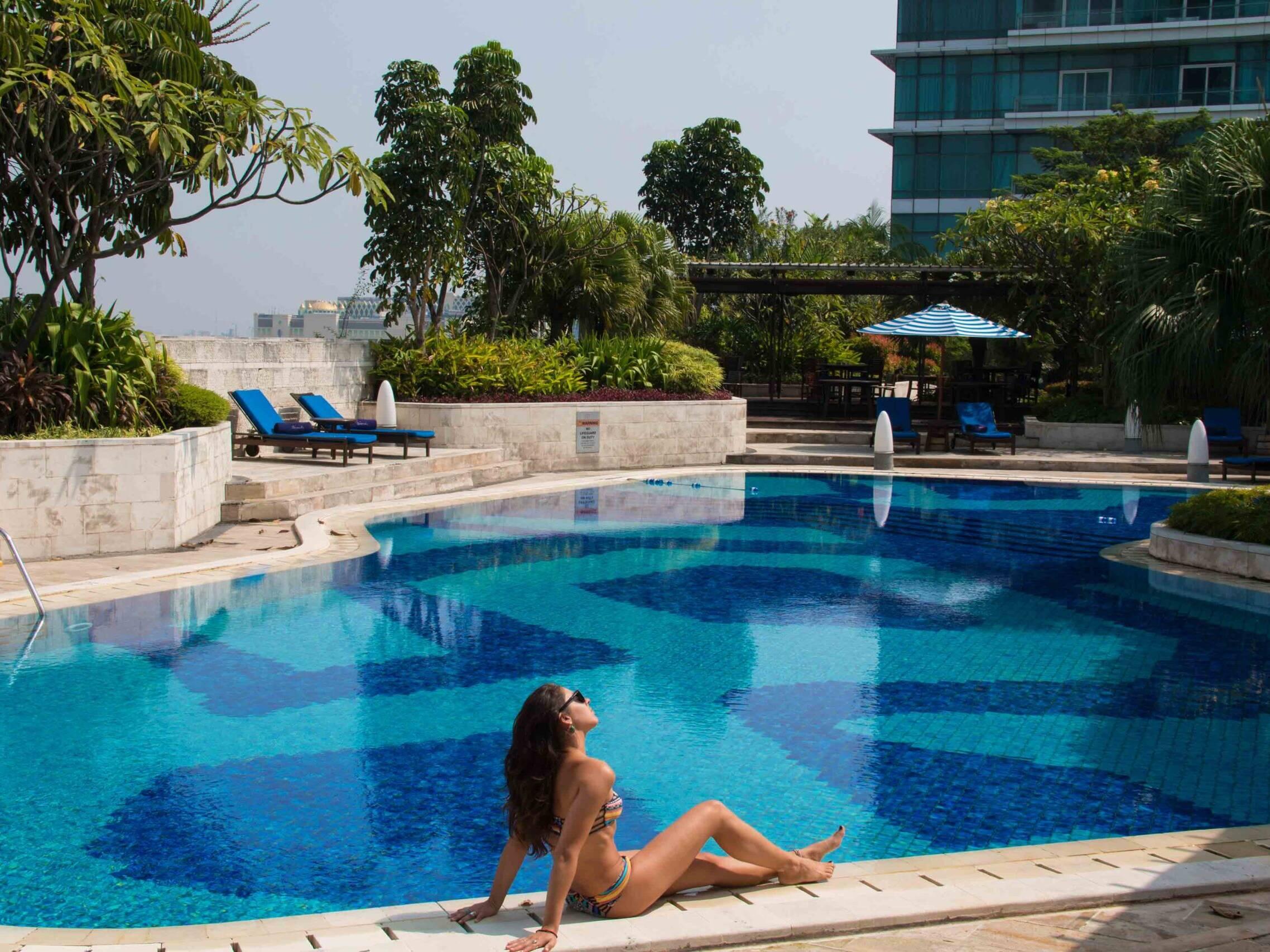 Rooftop swimming pool at Hotel Indonesia Kempinsky Jakarta