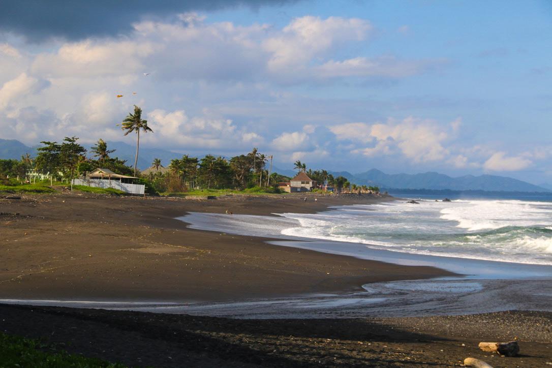 beach keramas surfing bali