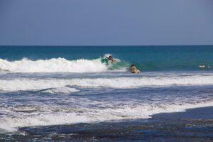 echo beach surfing canggu bali