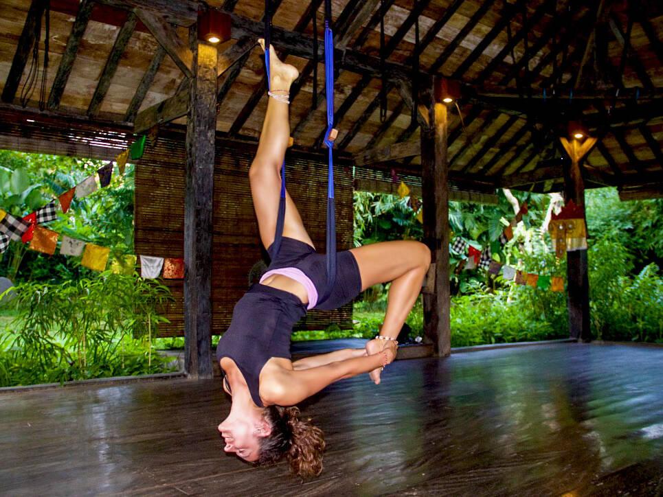 flyhigh yoga class desa seni canggu bali