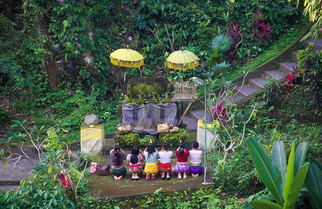 hindu offer temple ubud