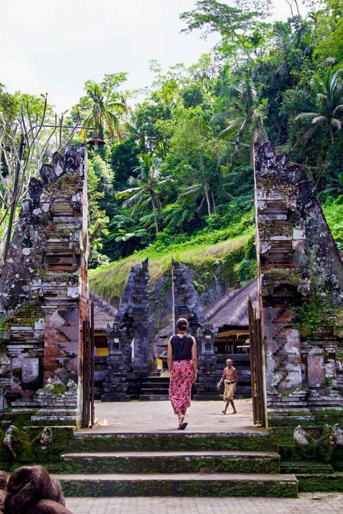 rock temple gunung kawi ubud bali