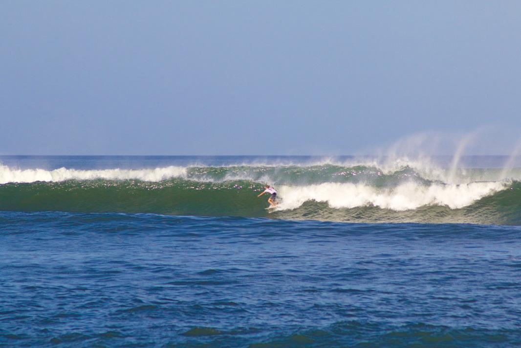 surfing canggu beach bali