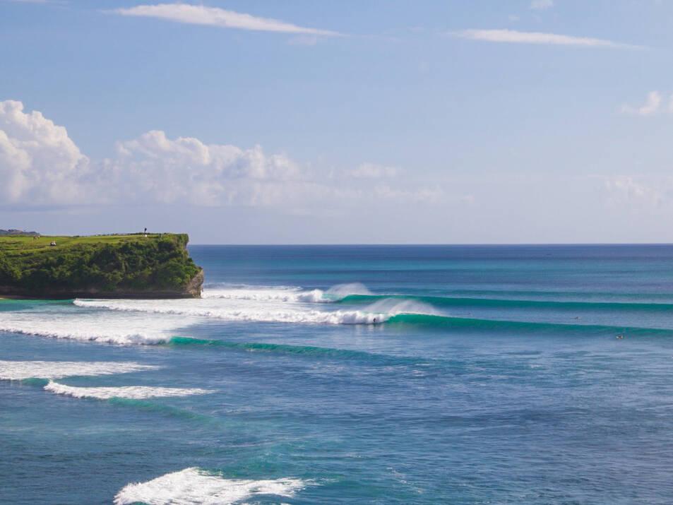 balangan beach waves surfing bali
