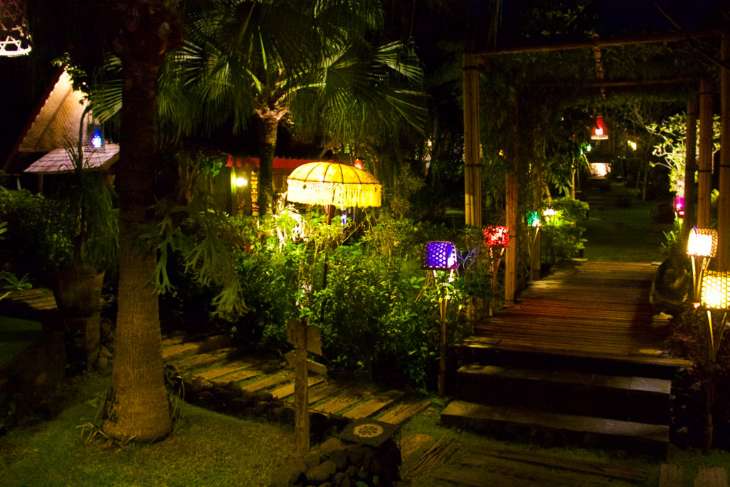 desa seni garden by night canggu bali