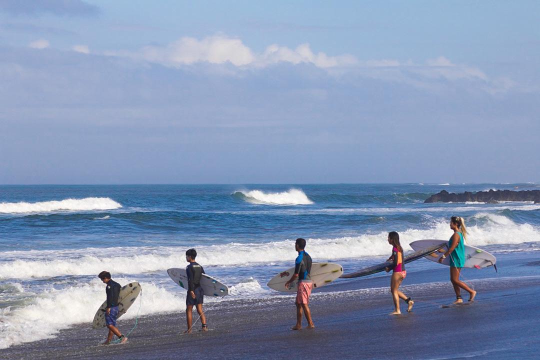 waves canggu beach surfing bali