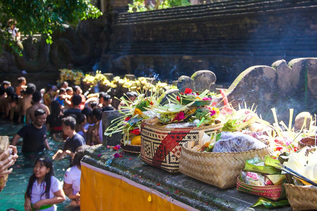 prayer box tirta empul water temple ubud
