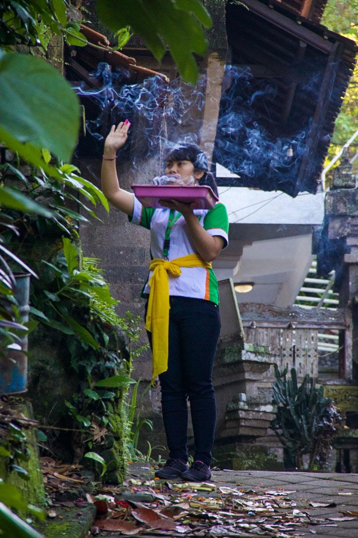 offer praying ubud bali