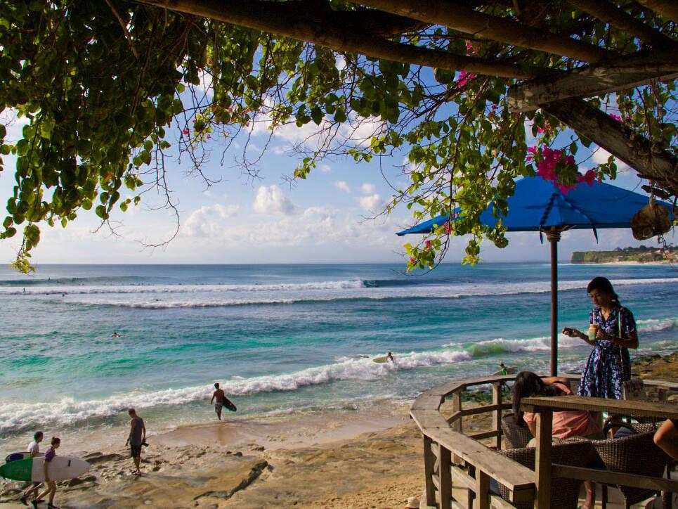 bingin beach surfing bali waves