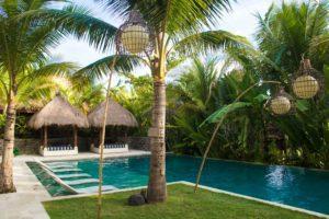 komune resort swimming pool keramas