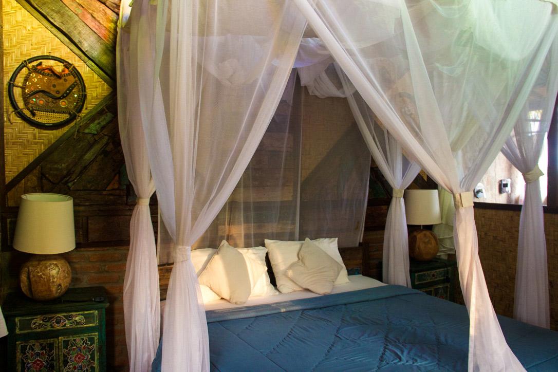 bedroom pondok pitaya hotel balian beach bali
