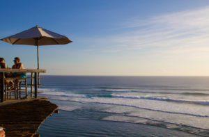 uluwatu surfing bali single fin sunset