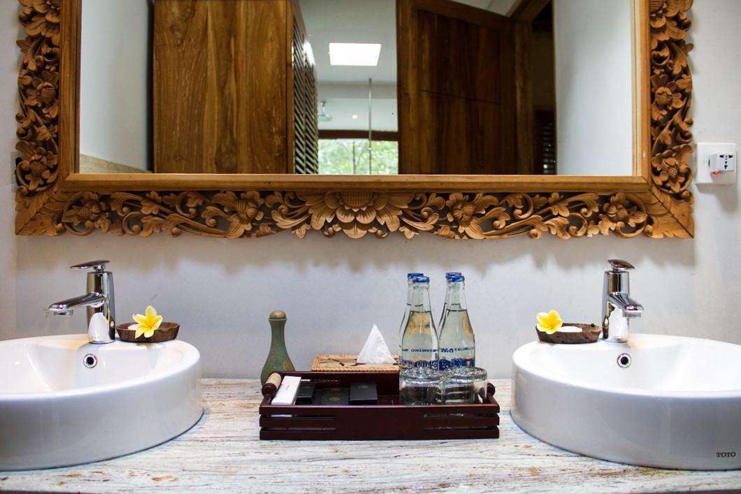 bathroom svarga loka ubud bali